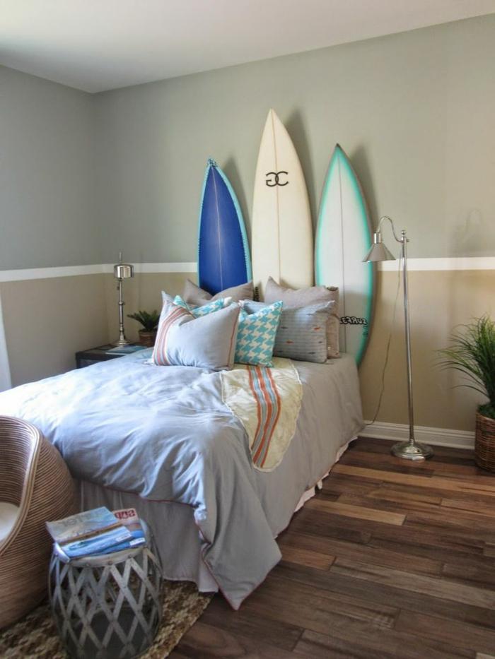 planche-de-surf-comme-tête-de-lit