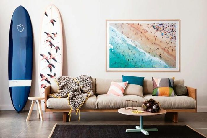 planche-de-surf-et-peinture-à-thème-nautique