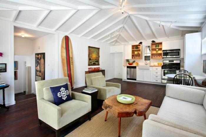 planche-de-surf-salle-de-séjour-et-cuisine