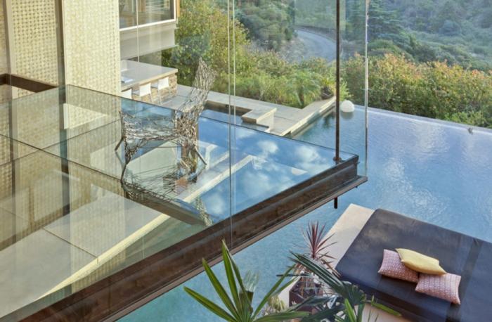 planche-verre-sol-transparent-plancher-transparent-belle-vue-maison-de-luxe