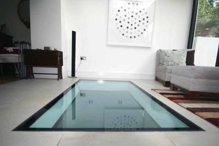 planchee-verre-idée-insolite-architecture-salon-avec-sol-transparent-de-verre