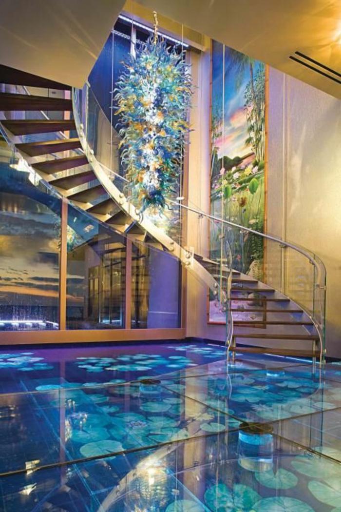 plancher-en-verre-carrelage-en-verre-dalle-de-verre-maison-insolite-escalier-coloré-inspiration