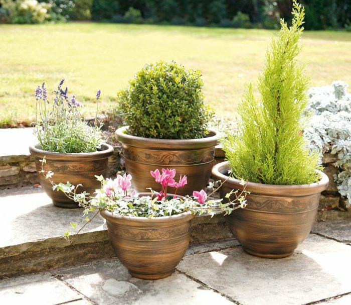 pot-de-fleur-exterieur-poterie-extérieur-rondes