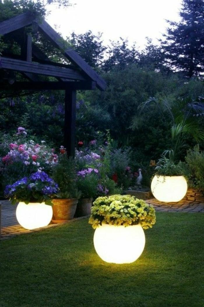 pot-de-fleur-lumineux-jardine-jardin-verte
