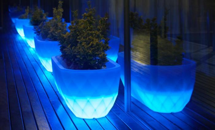 pot-lumineux-plantes-vertes-cool