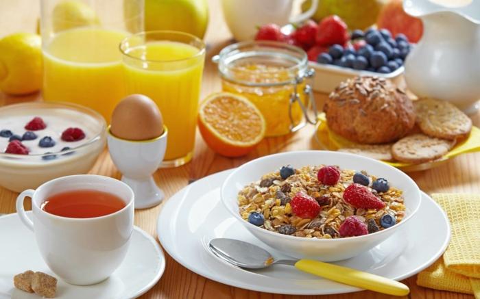 recette-petit-déjeuner-bon-appetit-muesli-et-fruits