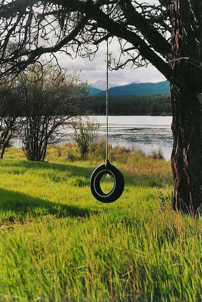 recyclage-de-pneu-quoi-faire-balançoire-nature-lake