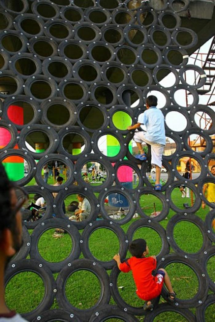 recyclage-de-pneu-quoi-faire-terrain-d'enfants-de-plein-air