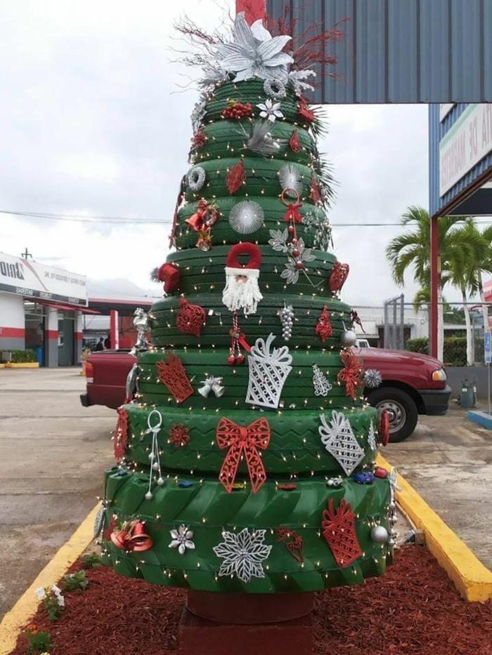 recyclage-pneu-idée-artistique-arbre-de-noel
