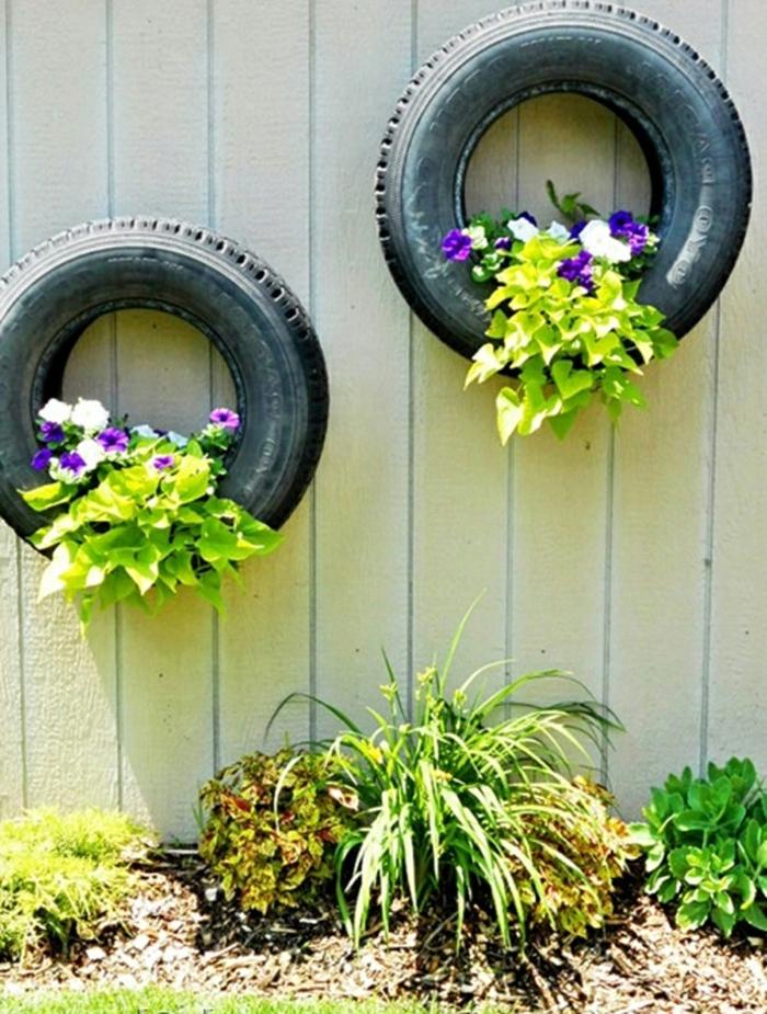 recyclage-pneu-idée-artistique-fleurs-dans-le-pneu-vieux