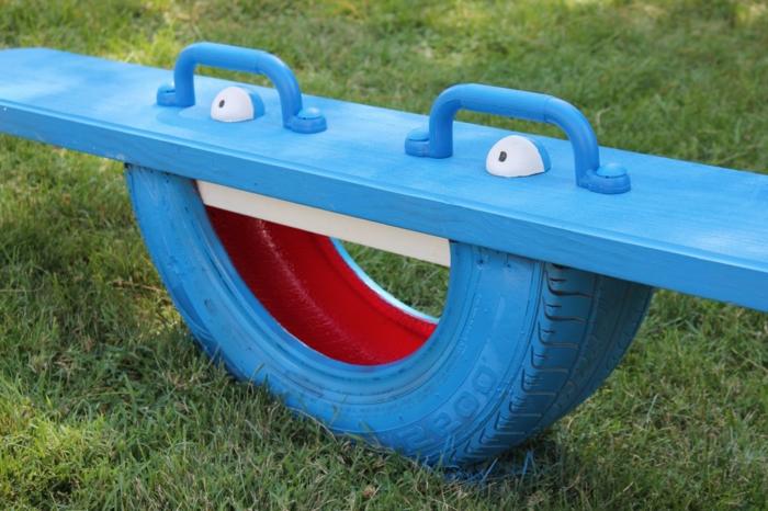 recycler-écologie-pneu-transformation-balançoire-terrain-d'enfants-de-plein-air