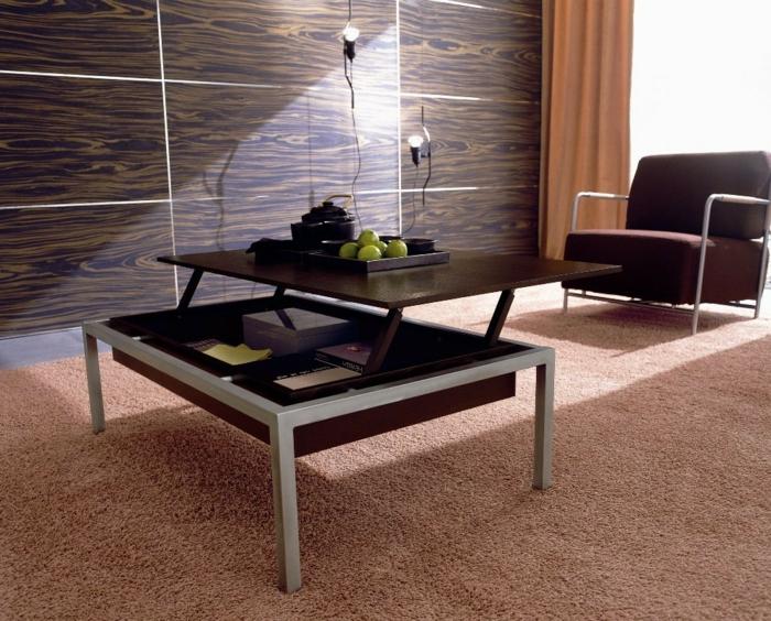 relevable-table-de-salon-basse-tapis-fauteuil-mur-bois-fake