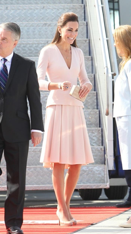 Robe rose poudrée tenue de soirée