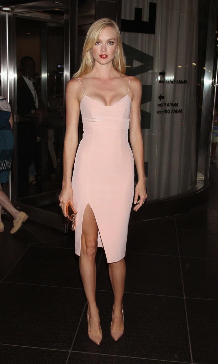 robe-rose-poudré-habillé-vêtement-sexy