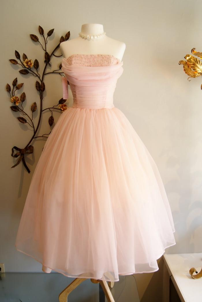 robe-rose-poudré-habillé-vêtement-vintage