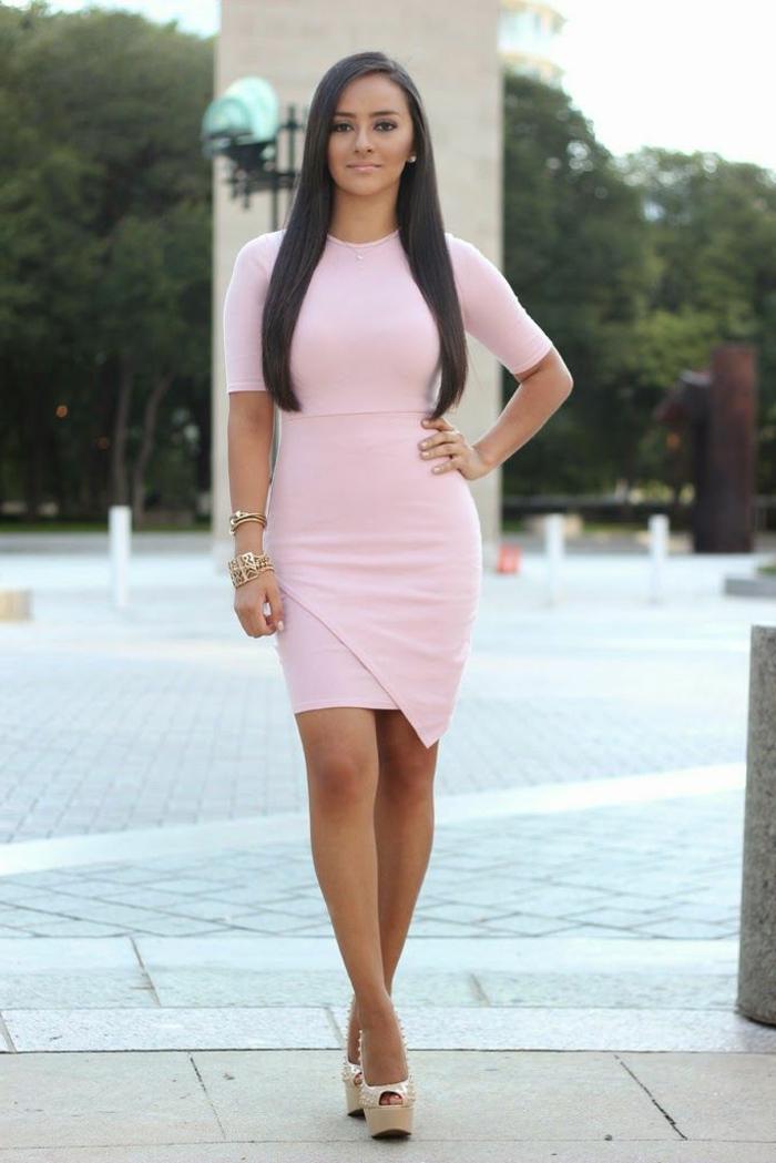 robe-rose-poudrée-quotidienne-courte-brave