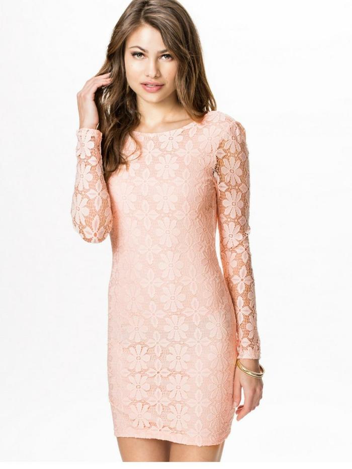 robe-rose-poudrée-tenue-de-soirée-dantelle