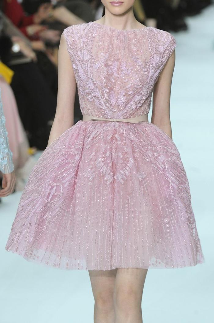 robe-rose-poudrée-tenue-de-soirée-mode