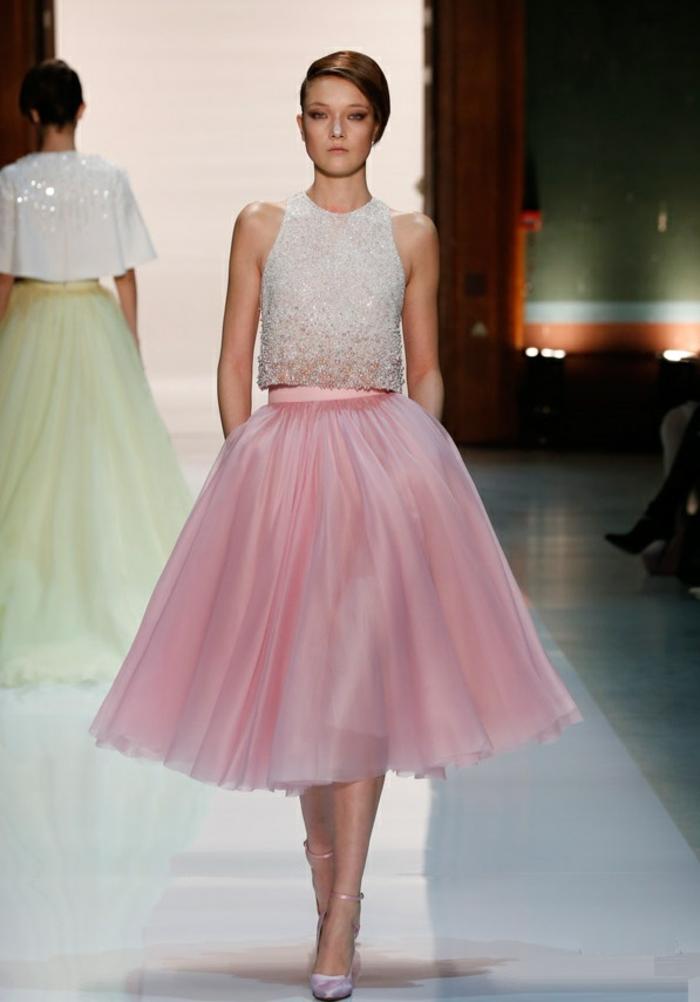robe-rose-poudrée-tenue-de-soirée-modele