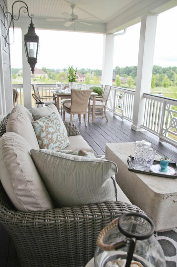 rotin-design-meubles-en-rotin-veranda-maison-en-bois-meubles-en-rotin