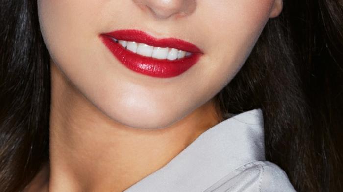 rouge-a-levre-dior-chic-classique-femme-beauté-rouge-saturé