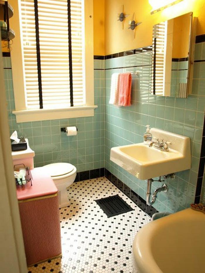 salle-de-bain-rétro-carrelage-rétro-murs-colorés-carrelage-en-mosaique-lumière