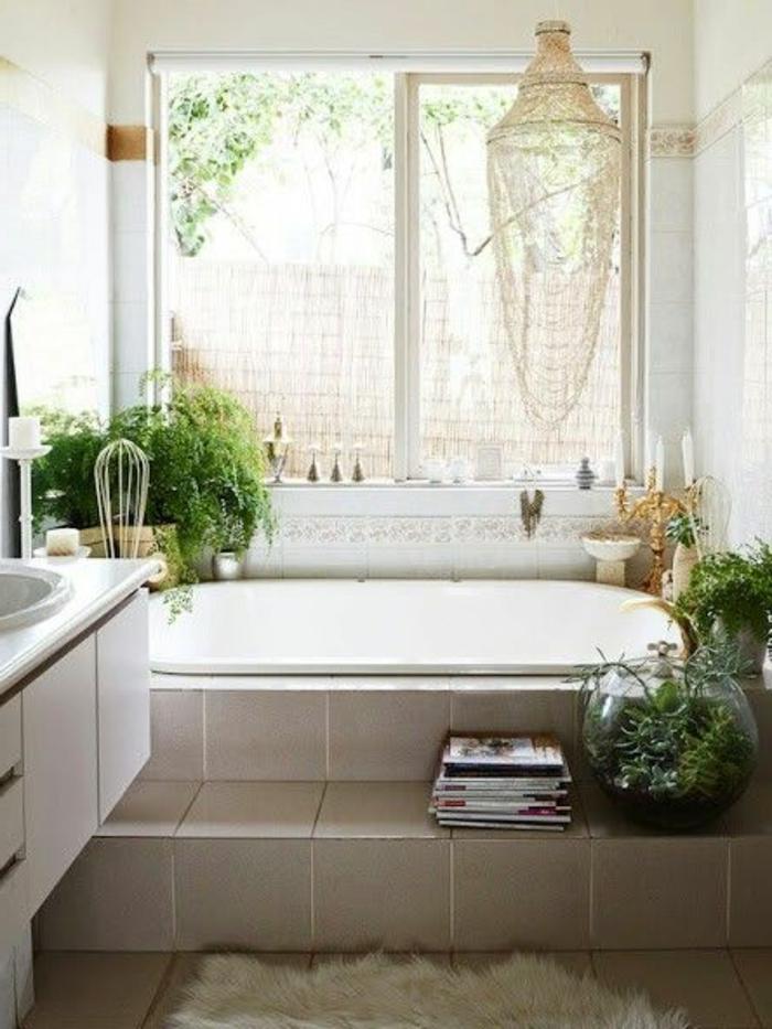 salle-de-bain-rétro-idée-aménagemen-salle-de-bain-ancienne-rustique-plantes-vertes