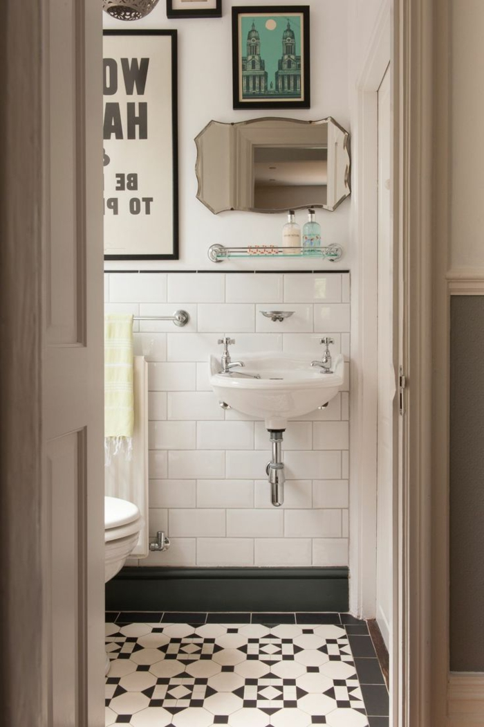 salle-de-bain-rustique-carrelage-blanche-miroir-objets-salle-de-bain-blanche