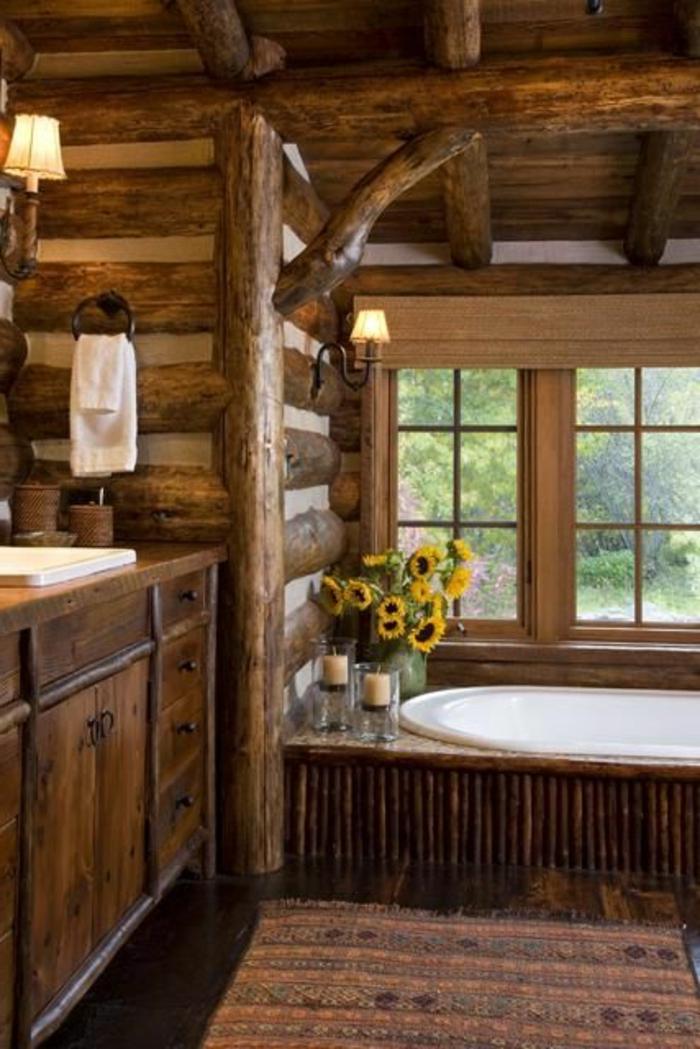 salle-de-bain-rustique-décoration-en-bois-tournesol-tapis-coloré-salle-de-bains