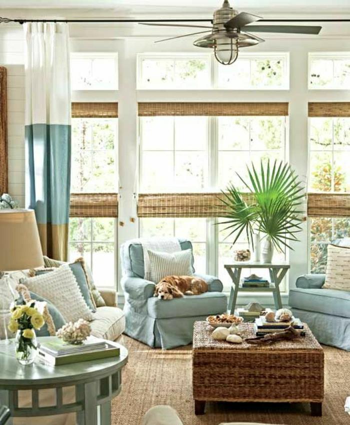salon-couleur-turqoise-meuble-turqoise-tapis-beige-rideaux-longs-bleu-blanc-beige