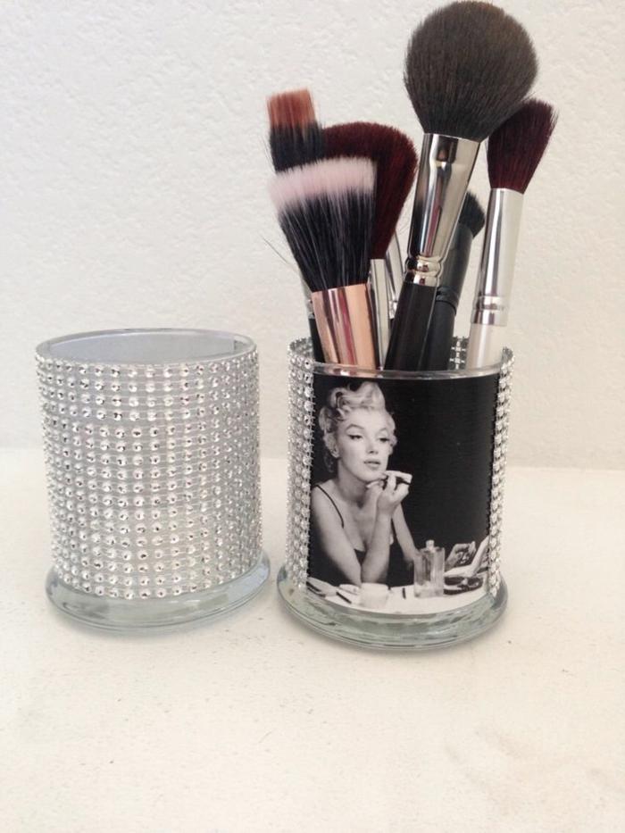 set-pinceaux-maquillage-organiser-marilin-monroe