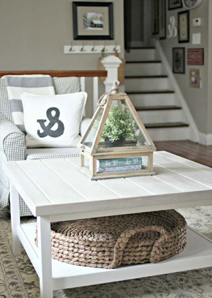 table-basse-avec-palette-idee-creative-blanc