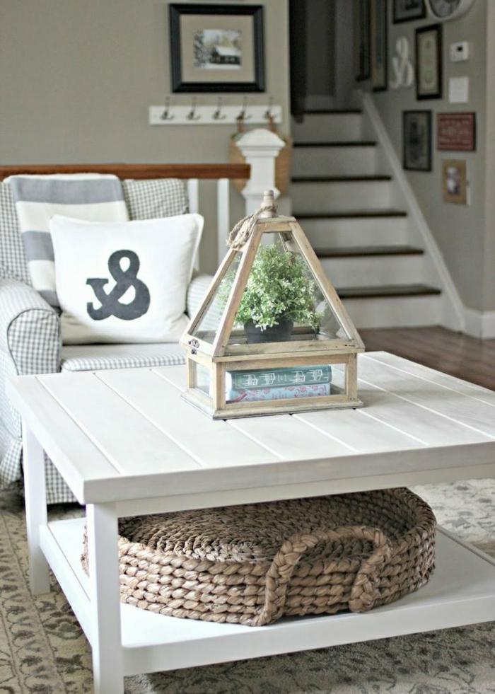 table-basse-avec-palette-idee-creative-blanc