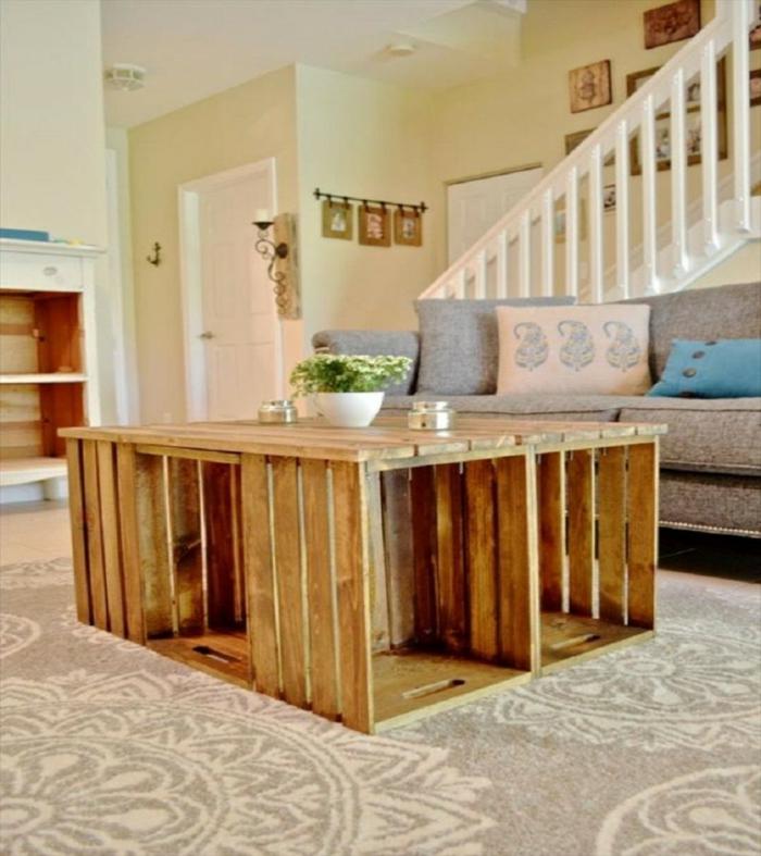 table-basse-en-palette-salon-escaliers-canapé