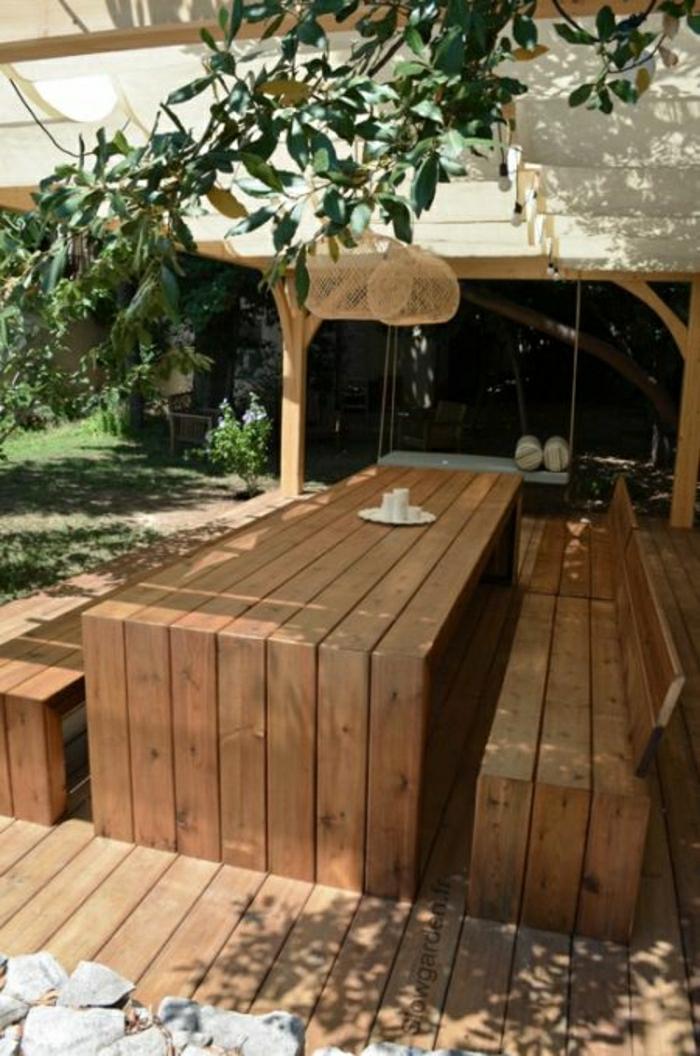table-de-pique-nique-table-avec-banc-en-bois-blanc-déjeuner-en-dehors-cour