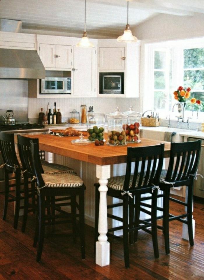 La table haute de cuisine est ce qu elle est confortable for Table de cuisine noir
