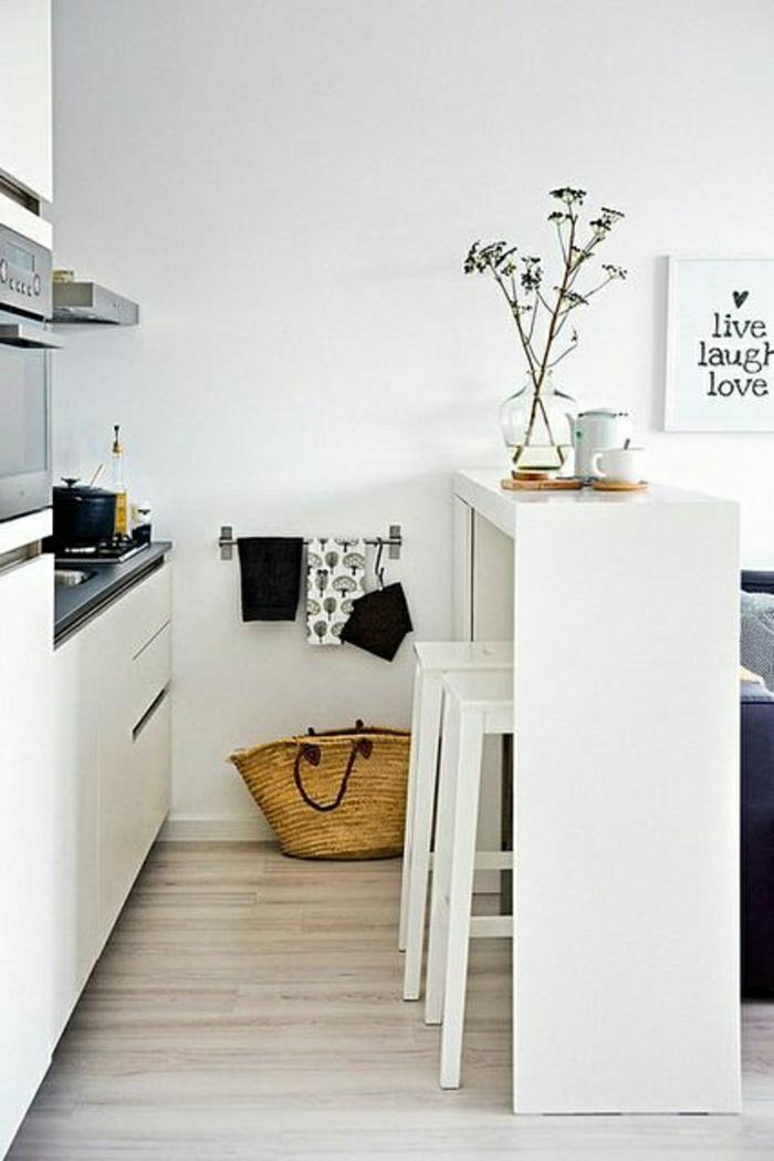 table-haute-de-cuisine-en-bois-blanc-chaise-haute-en-bois-blanc-cuisine-moderne