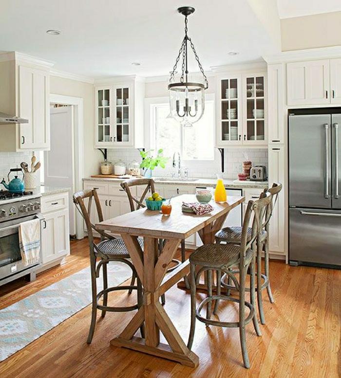 table-haute-de-cuisine-en-bois-chaise-haute-en-bois-tapis-sol-en-parquet-chaise-rustique