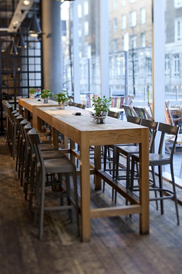La table haute de cuisine est ce qu elle est confortable for Grande table cuisine