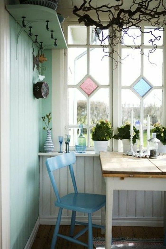 table-salle-a-manger-table-de-cuisine-conforama-chaise-en-bois-bleu-fenetre