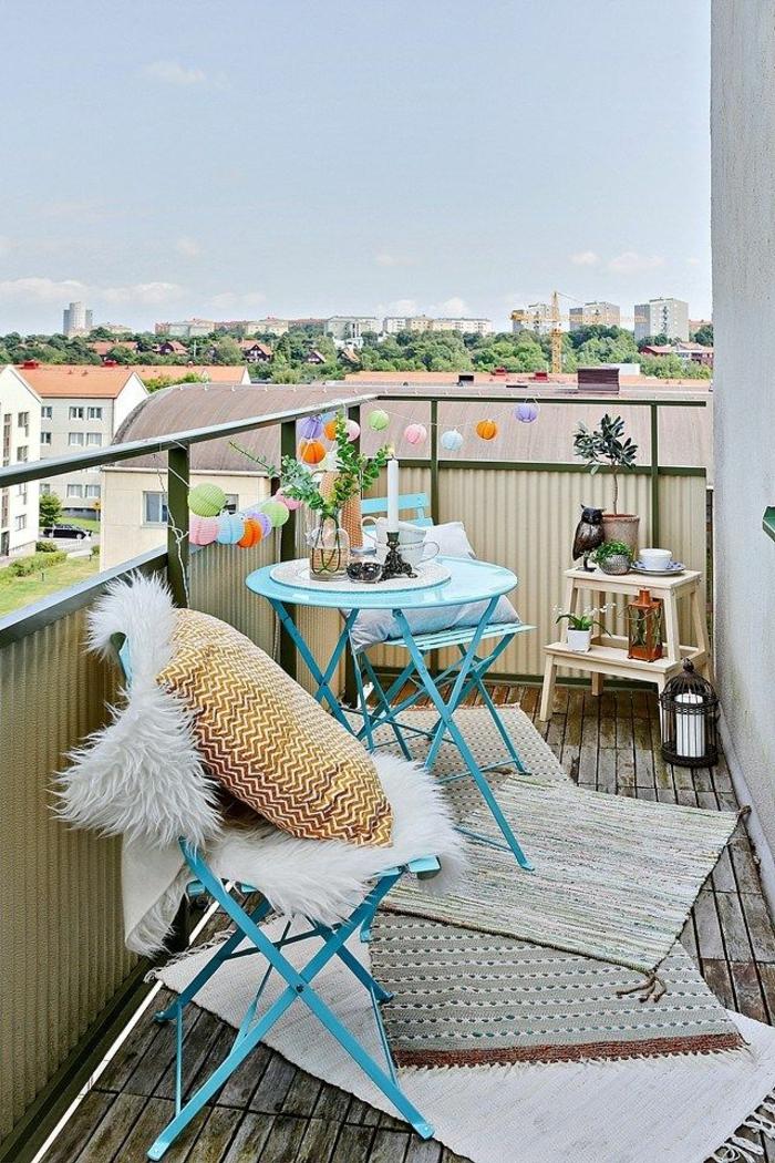 terrasse-en-ville-sol-plancher-belle-vue-pour-la-terrasse-deco-parquet-plantes-vertes-fleurs