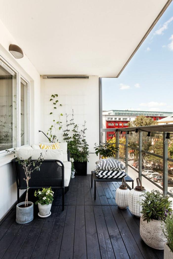 terrasse-en-ville-sol-plancher-belle-vue-pour-la-terrasse-deco-parquet-plantes-vertes