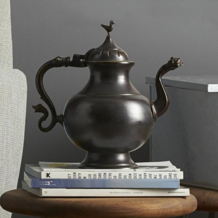 théière-en-fonte-idée-créative-décorative-noir