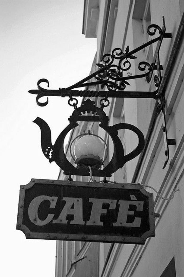 théière-en-fonte-idée-créative-signe-café