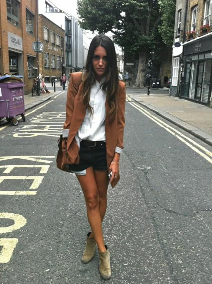 veste-en-daim-marron-veste-court-femme-mode-tendance-pantalon-court-élégant-noir