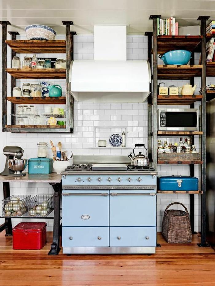 étagères-métalliques-étagère-métal-et-bois-carrelage-de-cuisine-blanc