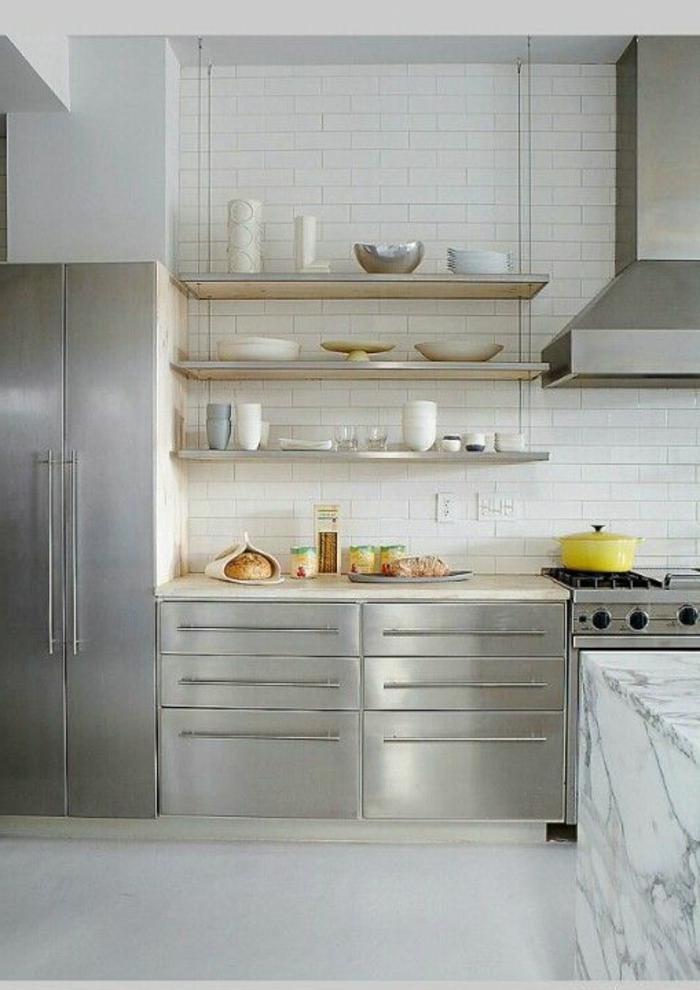 étagères-métalliques-étagère-métallique-murale-cuisine