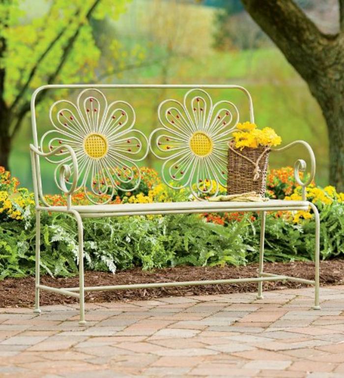 Voici nos exemples pour un banc de jardin for Objet en fer forge pour le jardin