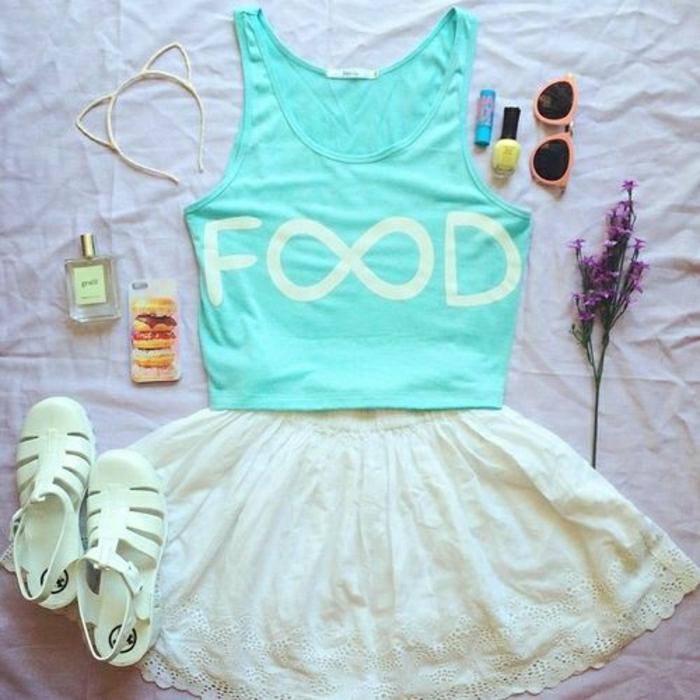 0-t-shirt-personnalisable-couleur-bleu-ciel-jupe-courte-de-couleur-blanche-femme-mode