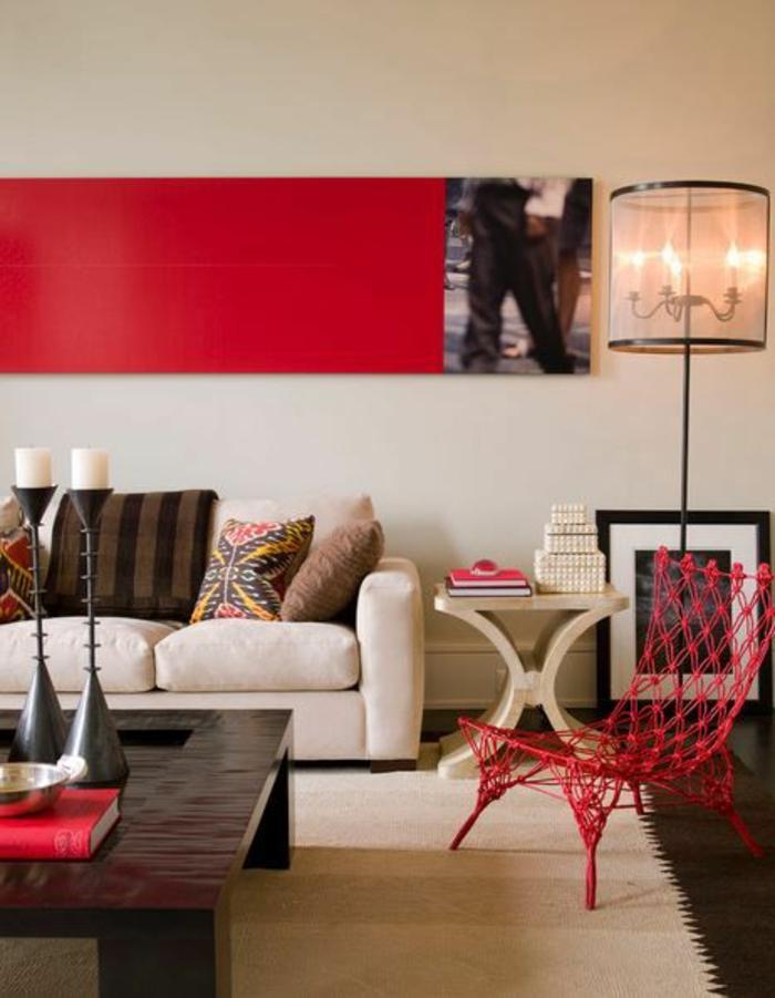 1-adopter-la-couleur-carmin-rouge-carmin-chaise-en-fer-rouge-tapis-beige-lampe-de-salon
